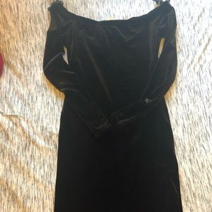 Off-the-shoulder Velvet Bodycon Dress